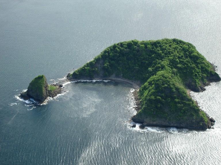 Isla Lora Bahia Santa Elena.JPG - big